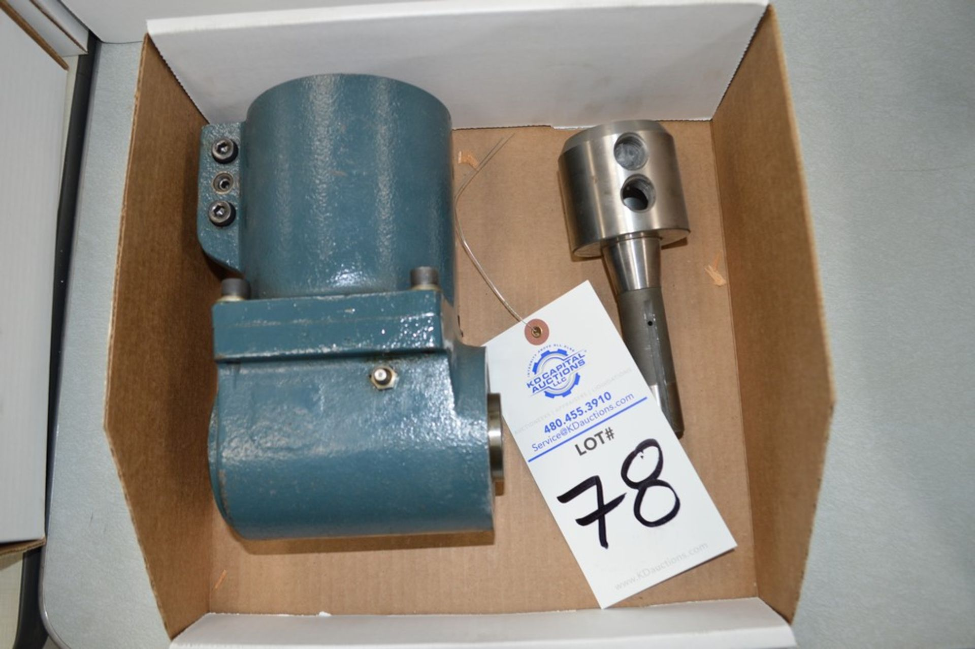 Milling machine R8 right angle drive with adapter to drive Cavlon 100 mm rolling mill (Lot 96)