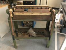 "24"" Manual Diacro Finger Shear on metal stand"