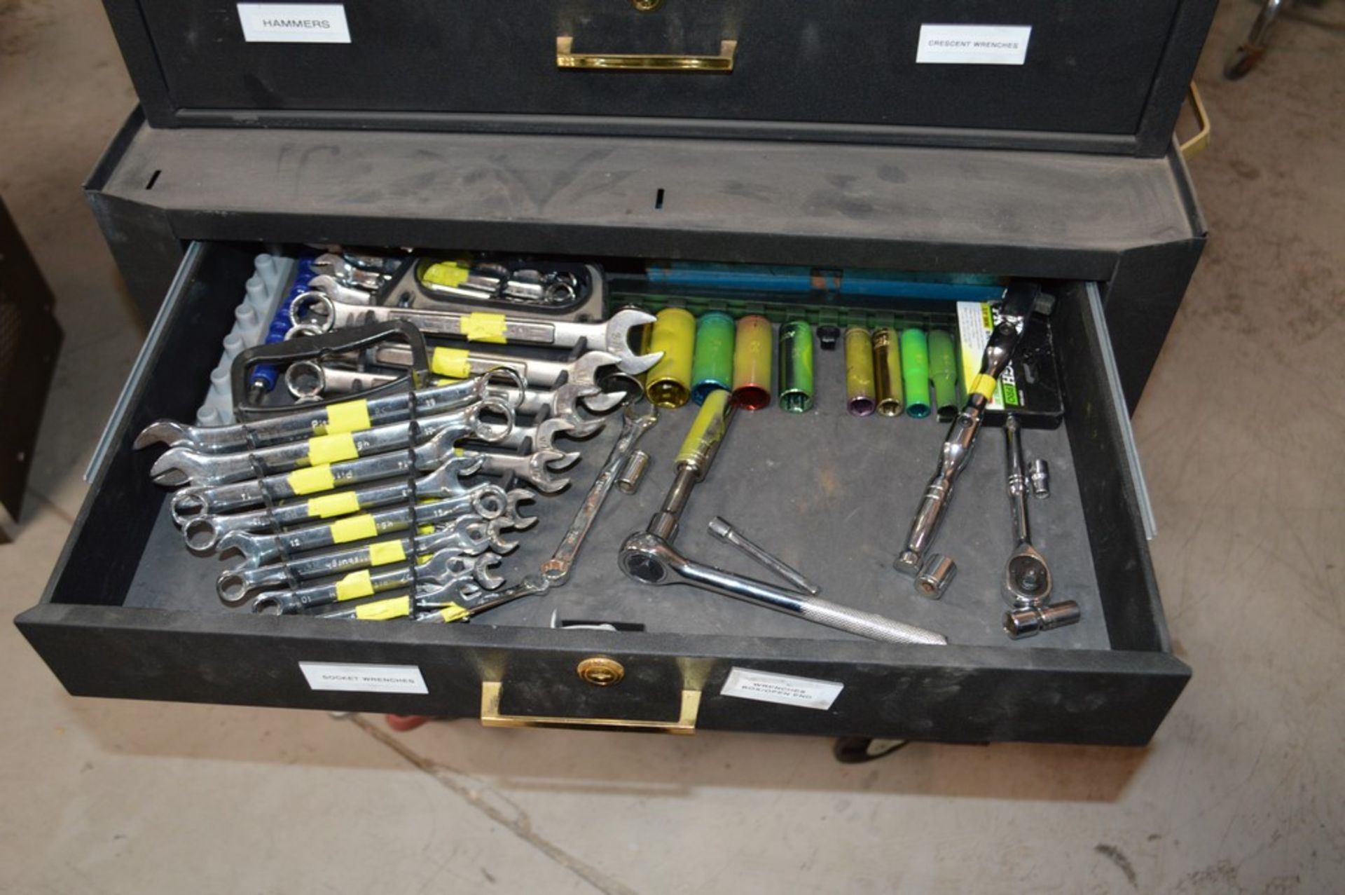(1) Rolling toolbox with contents, 6 drawer top (2) drawer middle, roller cabinet chest 3 drawer - Image 8 of 11