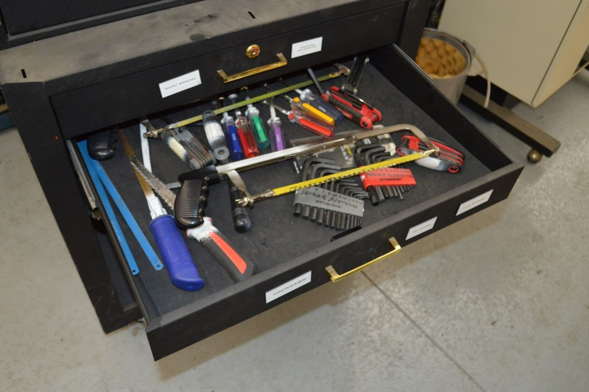 (1) Rolling toolbox with contents, 6 drawer top, 2 drawer middle, roller cabinet chest 3 drawer with - Image 9 of 11