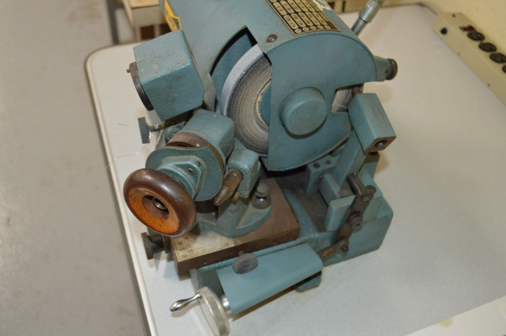 Black diamond precision drill grinder with 6 position tool changer and light - Image 3 of 7