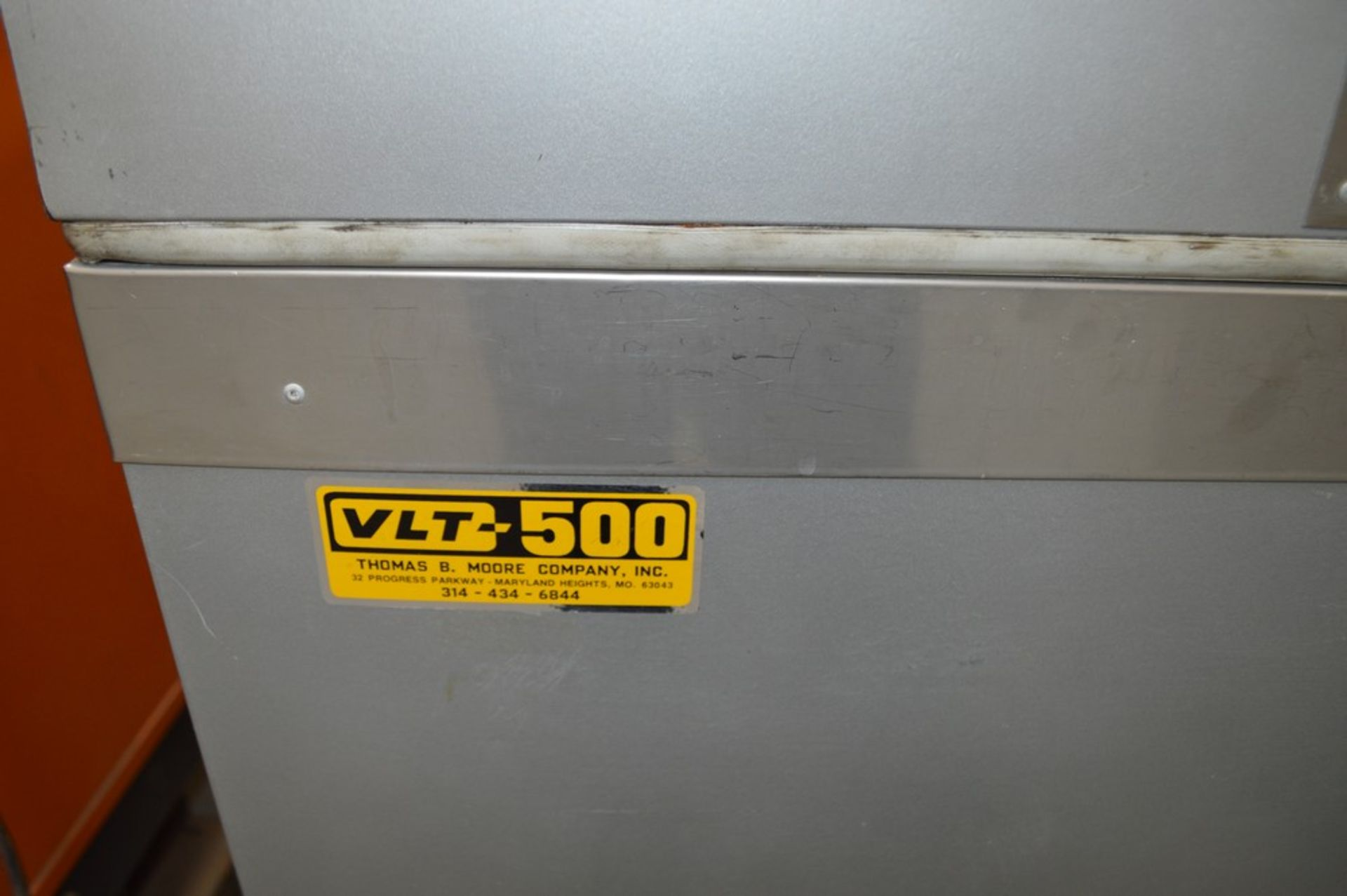"""VTL-500 Dry Ice Deep Freezer, internal tub 16 1/2 x 26 1/4"""" x 19 1/2"""" deep with extra metal jacketed - Image 3 of 5"""
