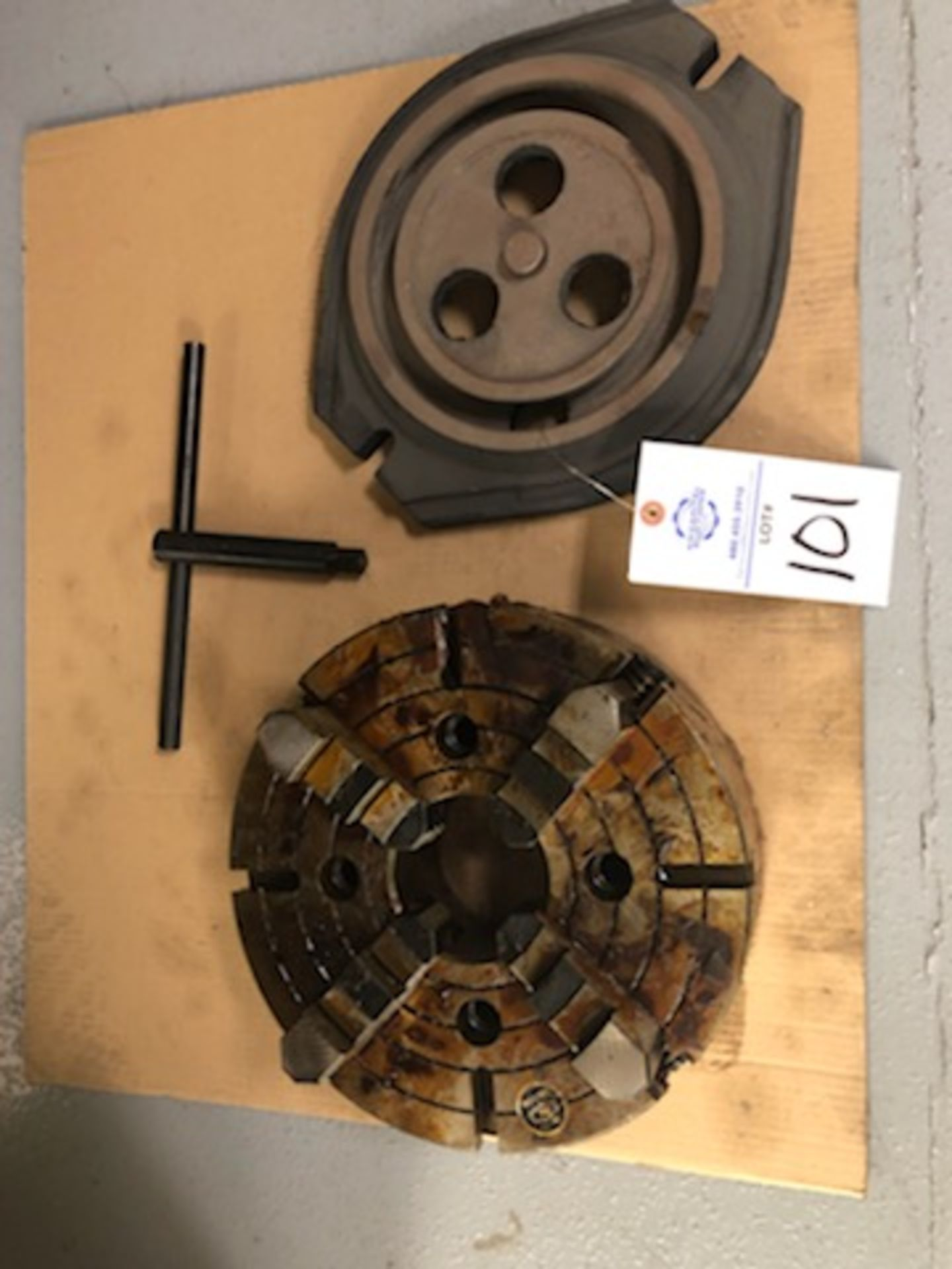 """12.5"""" 4 Jaw chuck, 3.75"""" thru hole, with wrench"""