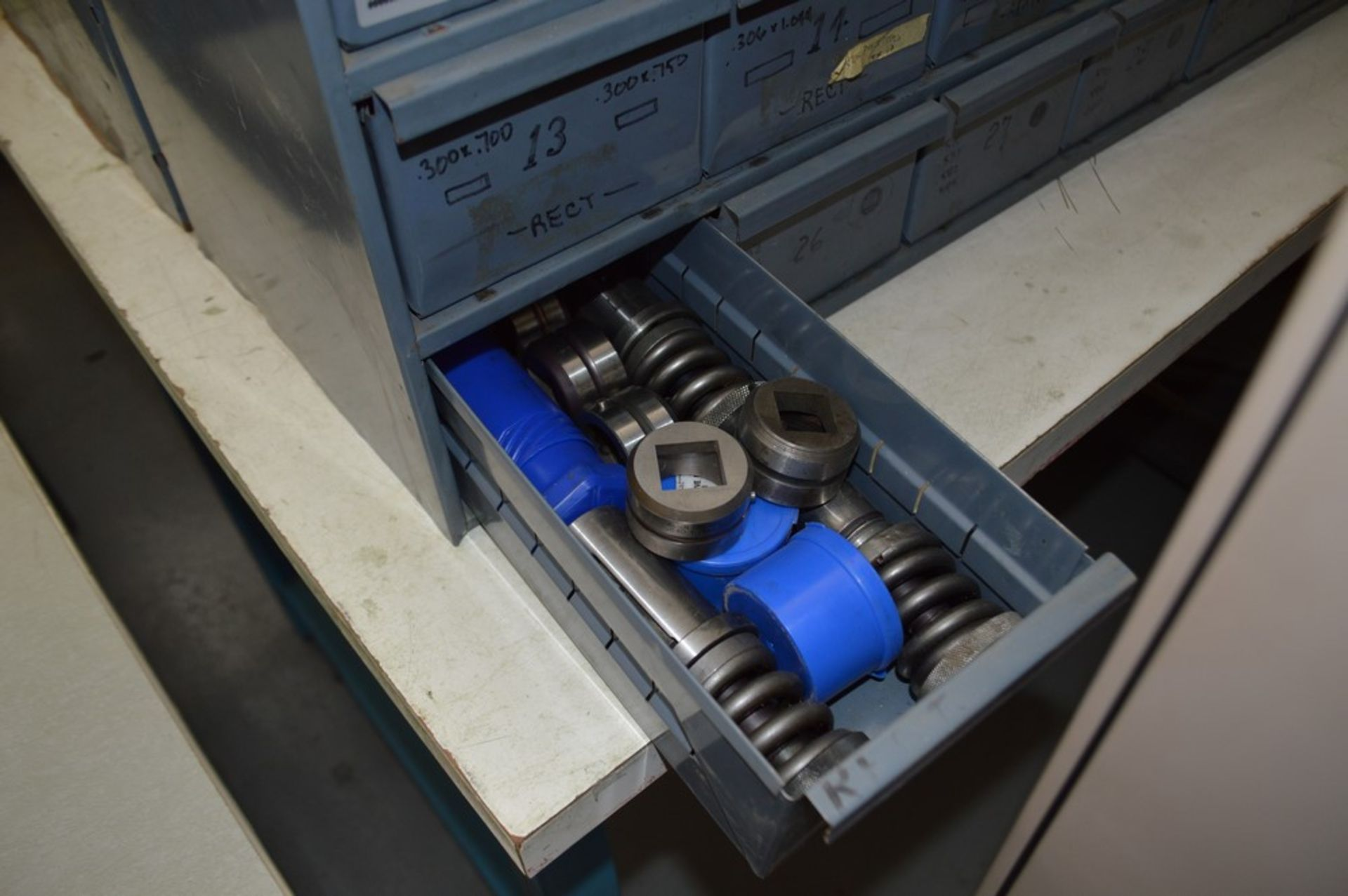 8 Metal cabinets with punch tooling and accessories, all contents included - Image 5 of 9