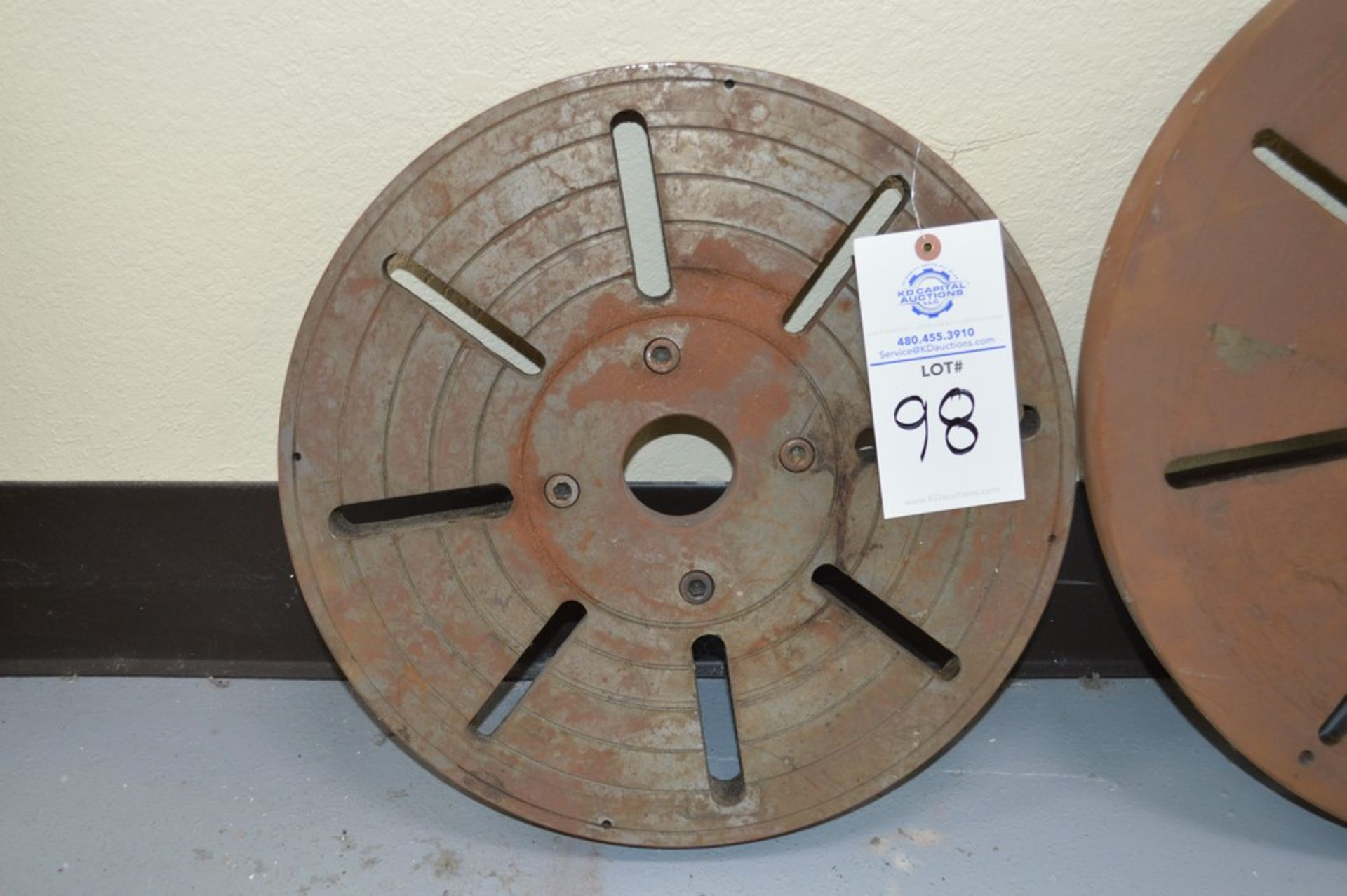 """(2) lathe faceplates, 4 bolt patterns with 2.5"""" thru holes on each. (1) 17.5"""" and (1) 26"""" - Image 2 of 3"""