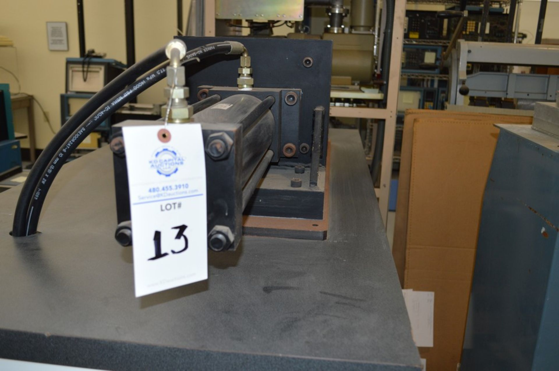 4 Post horizontal press with stand, 3000 psi, RAM speed controls - Image 2 of 8