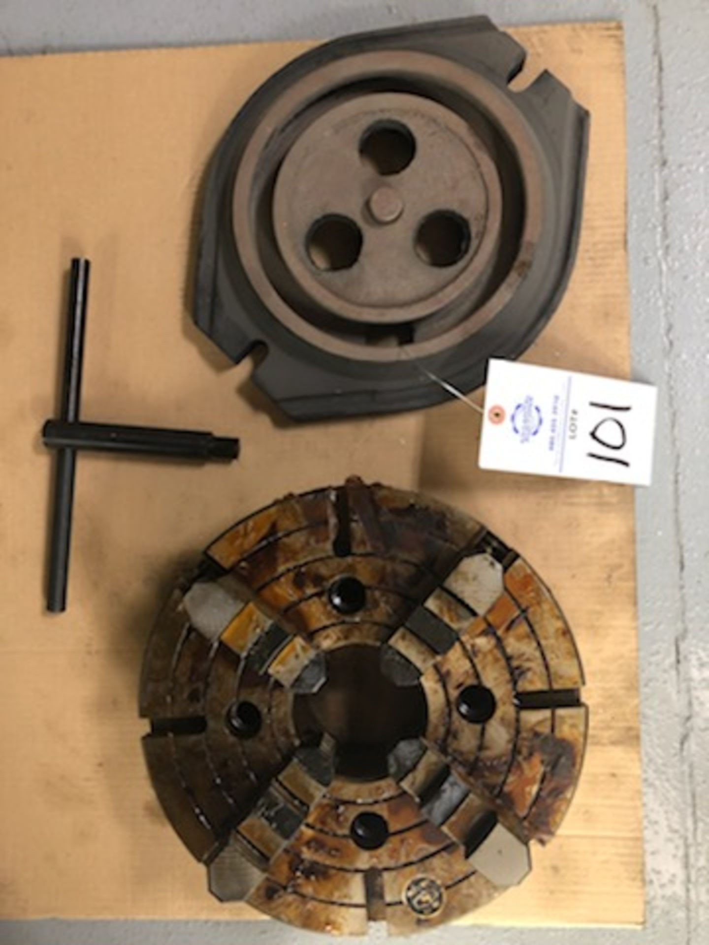 """12.5"""" 4 Jaw chuck, 3.75"""" thru hole, with wrench - Image 2 of 5"""