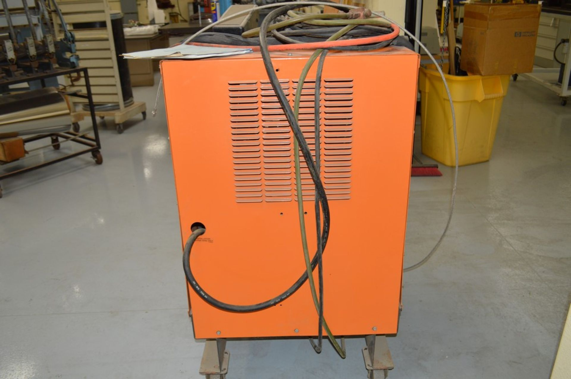 Airco AC/DC Heliwelder, 250 amp welder, AC/DC Tig welder, mounted on rolling steel cart - Image 4 of 5
