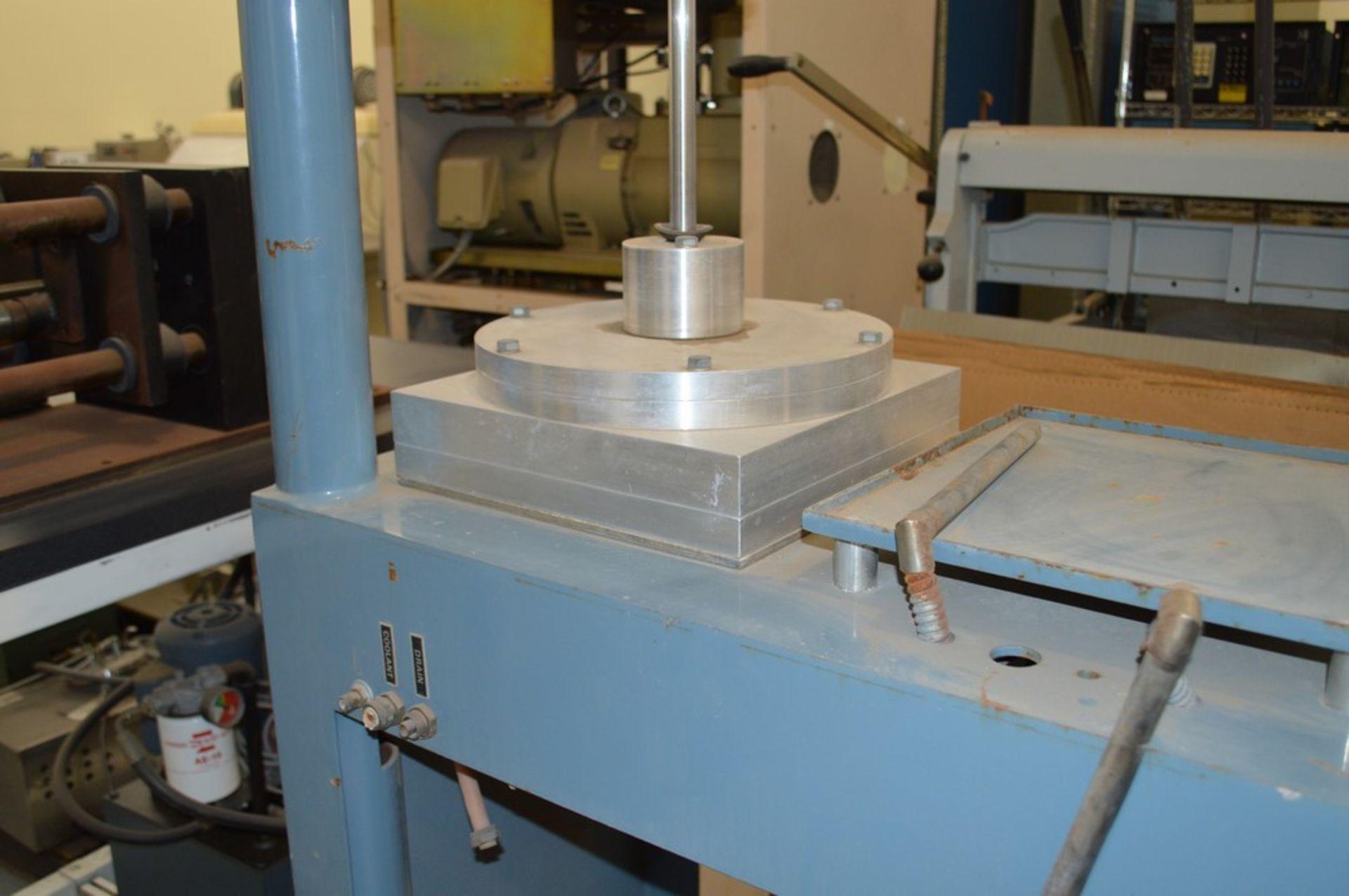 R Howard Strausbaugh, Model M-75, peunmatic press on skid. Mounting press - Image 4 of 6