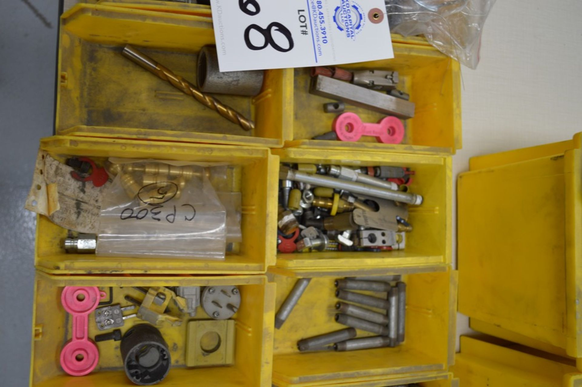 Air connectors, dual threaded connectors, chain, misc hardware - Image 3 of 4