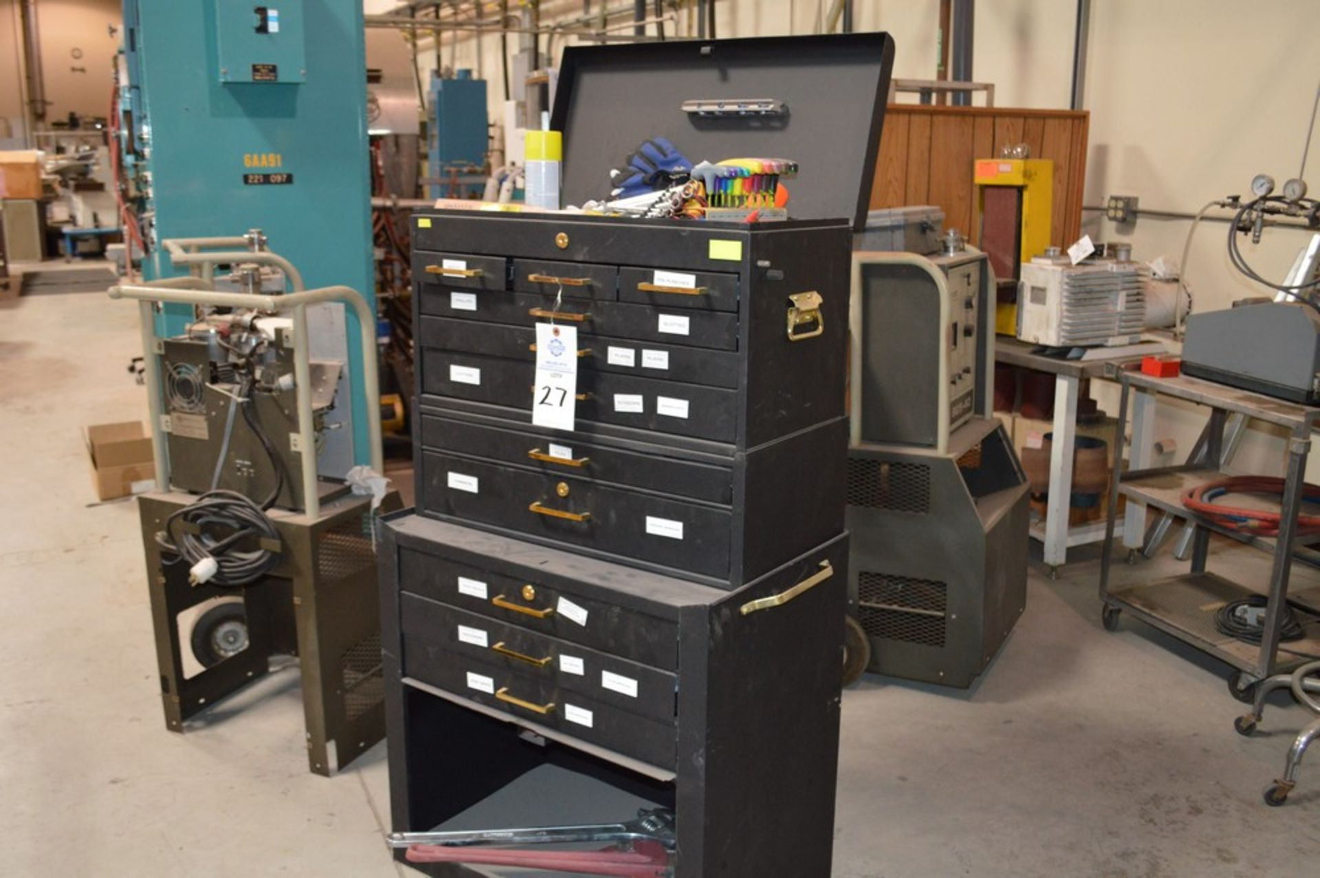 (1) Rolling toolbox with contents, 6 drawer top (2) drawer middle, roller cabinet chest 3 drawer - Image 11 of 11