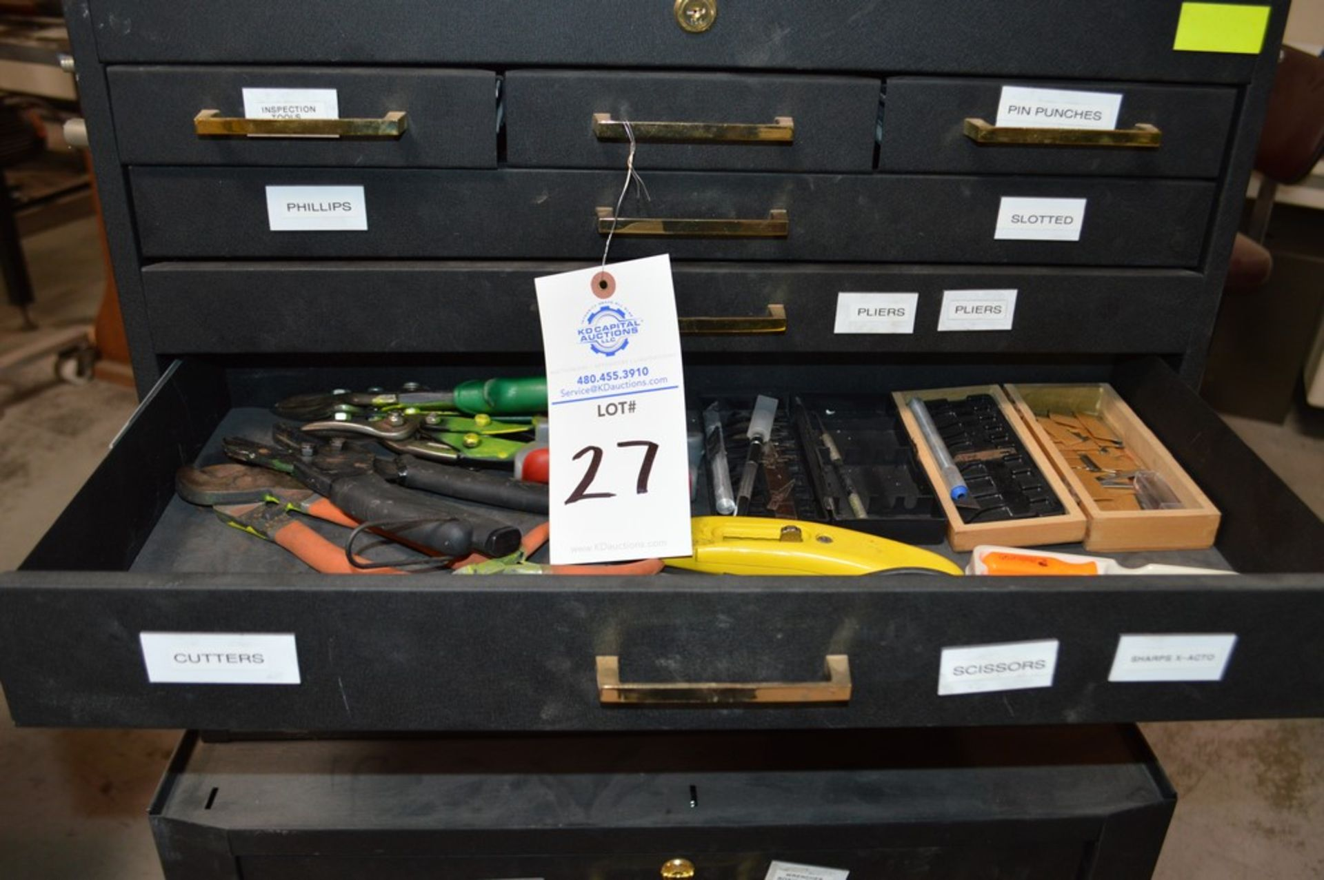 (1) Rolling toolbox with contents, 6 drawer top (2) drawer middle, roller cabinet chest 3 drawer - Image 5 of 11