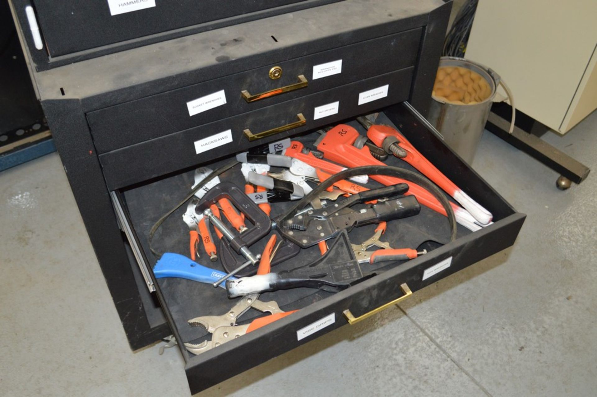 (1) Rolling toolbox with contents, 6 drawer top, 2 drawer middle, roller cabinet chest 3 drawer with - Image 10 of 11