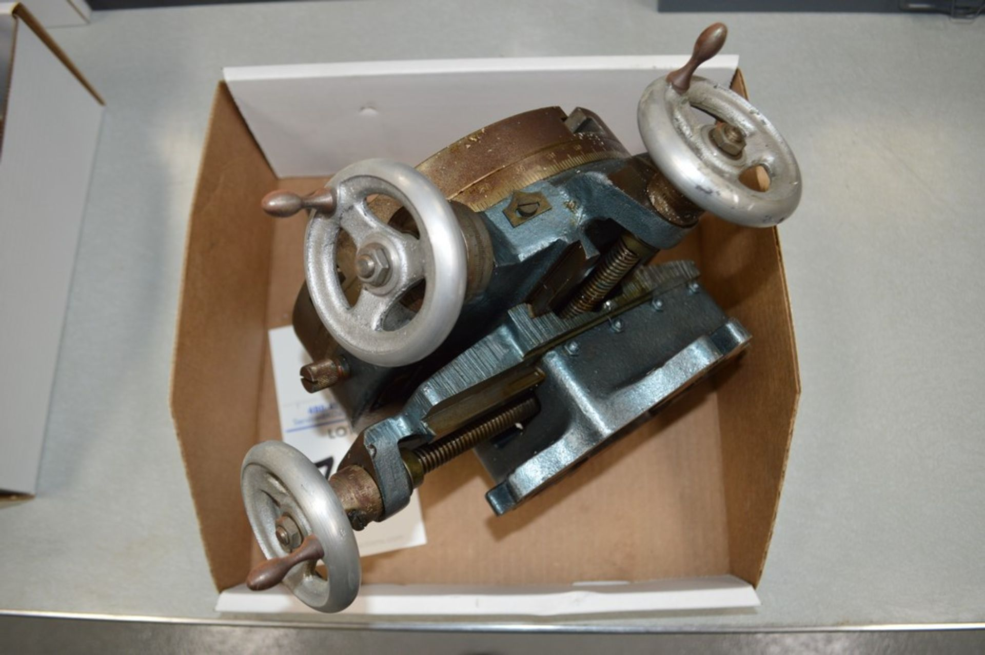"""8"""" Manual milling 4th axis, 3 axis adjustable - Image 2 of 2"""