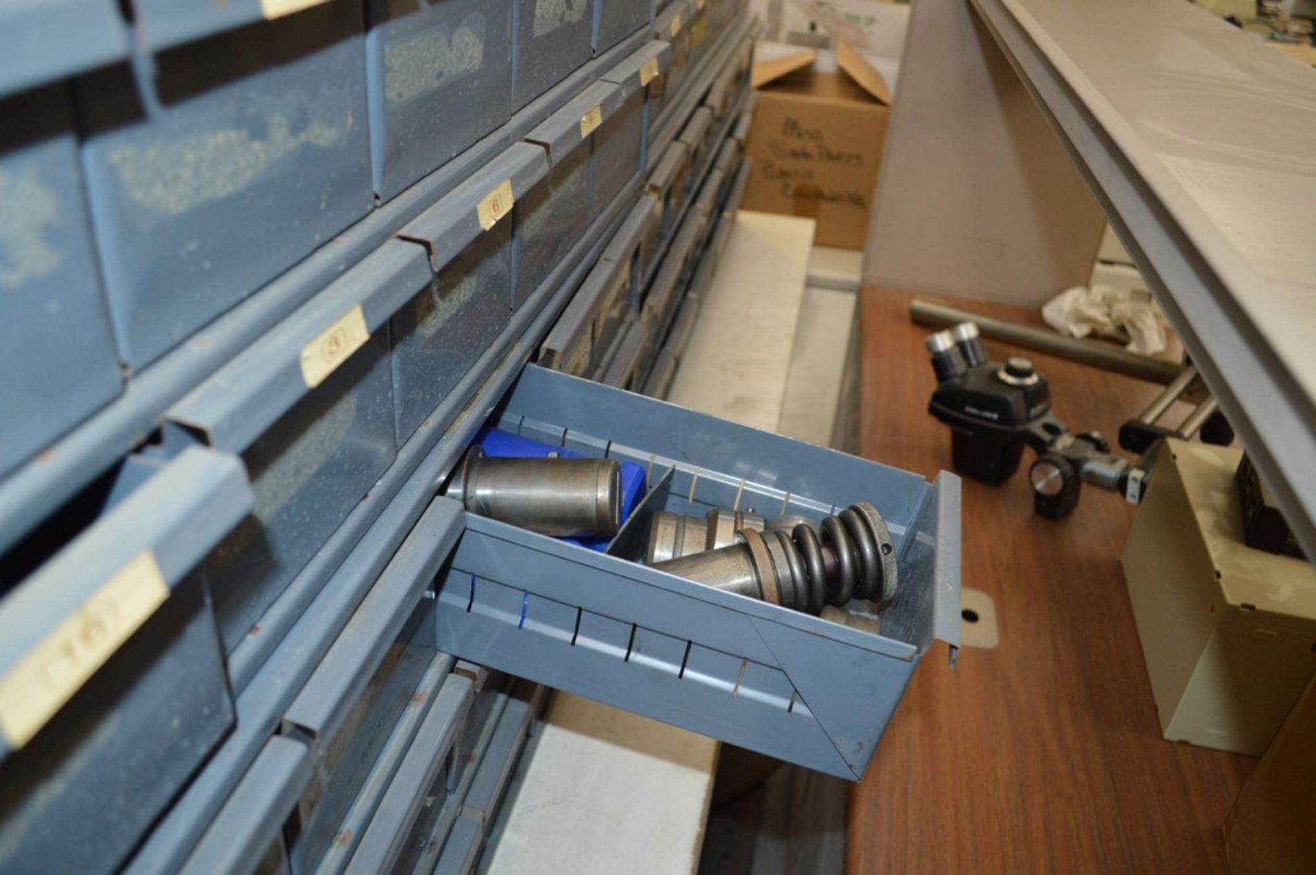 8 Metal cabinets with punch tooling and accessories, all contents included - Image 8 of 9