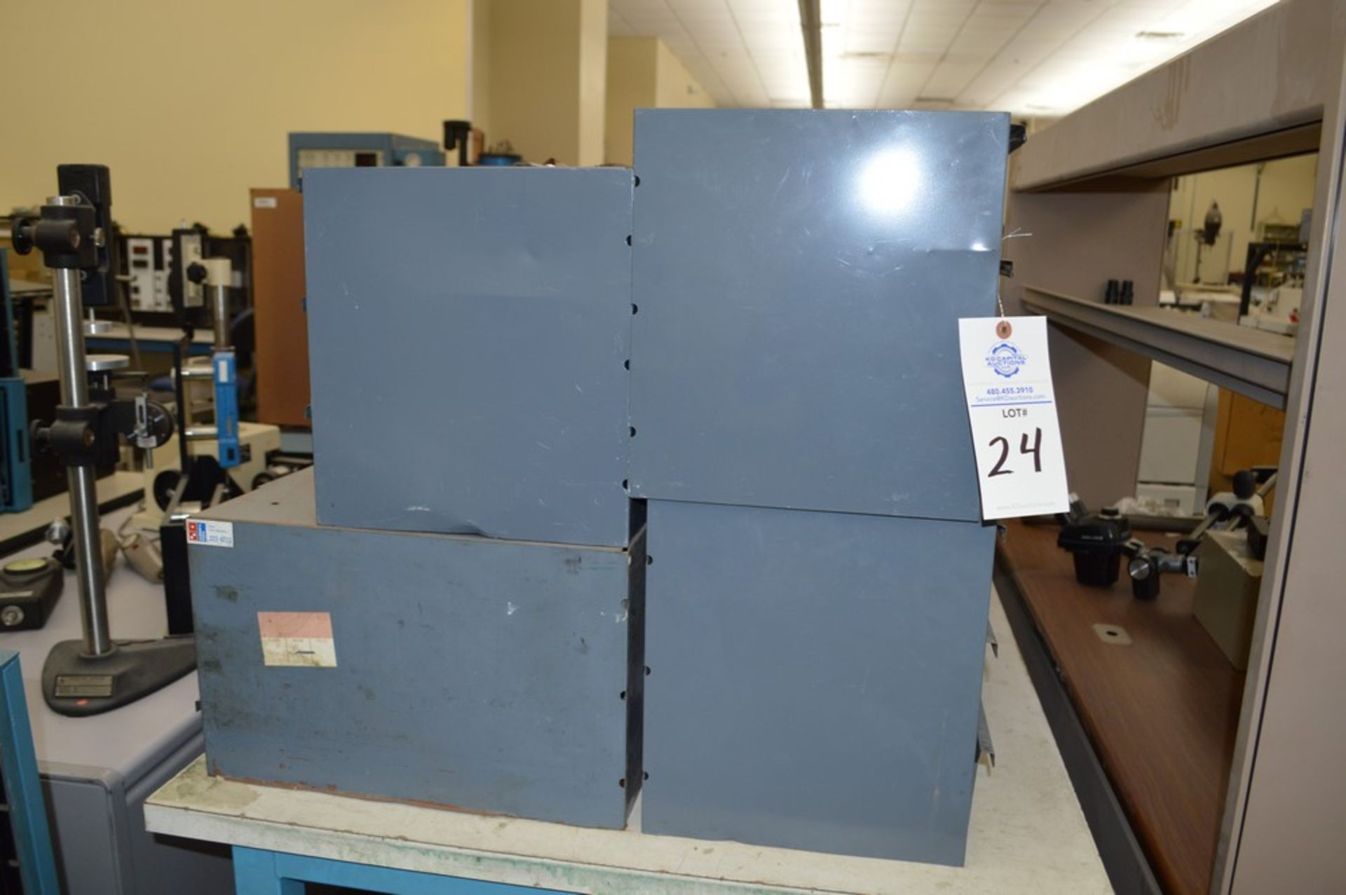 8 Metal cabinets with punch tooling and accessories, all contents included - Image 2 of 9