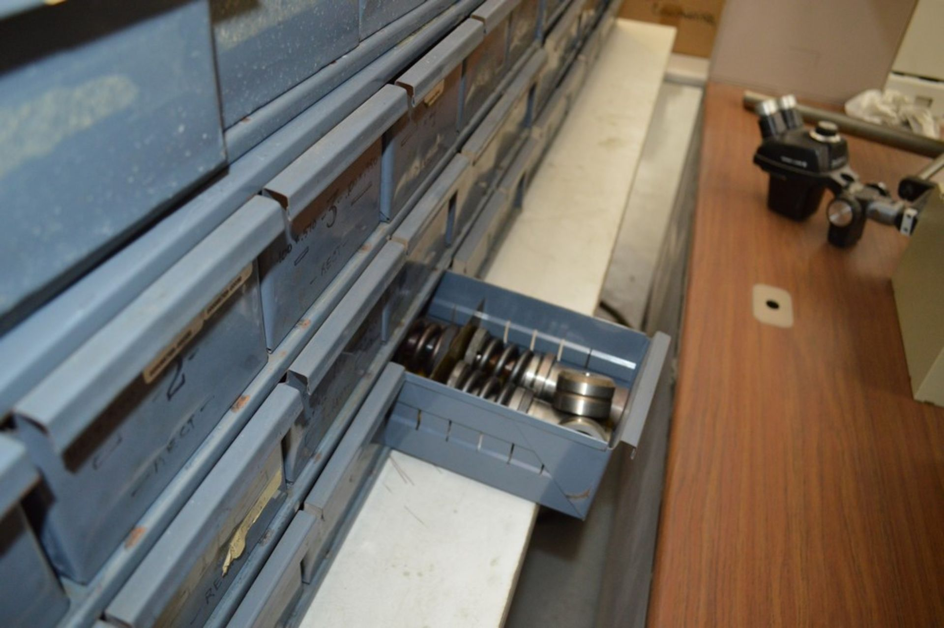 8 Metal cabinets with punch tooling and accessories, all contents included - Image 9 of 9