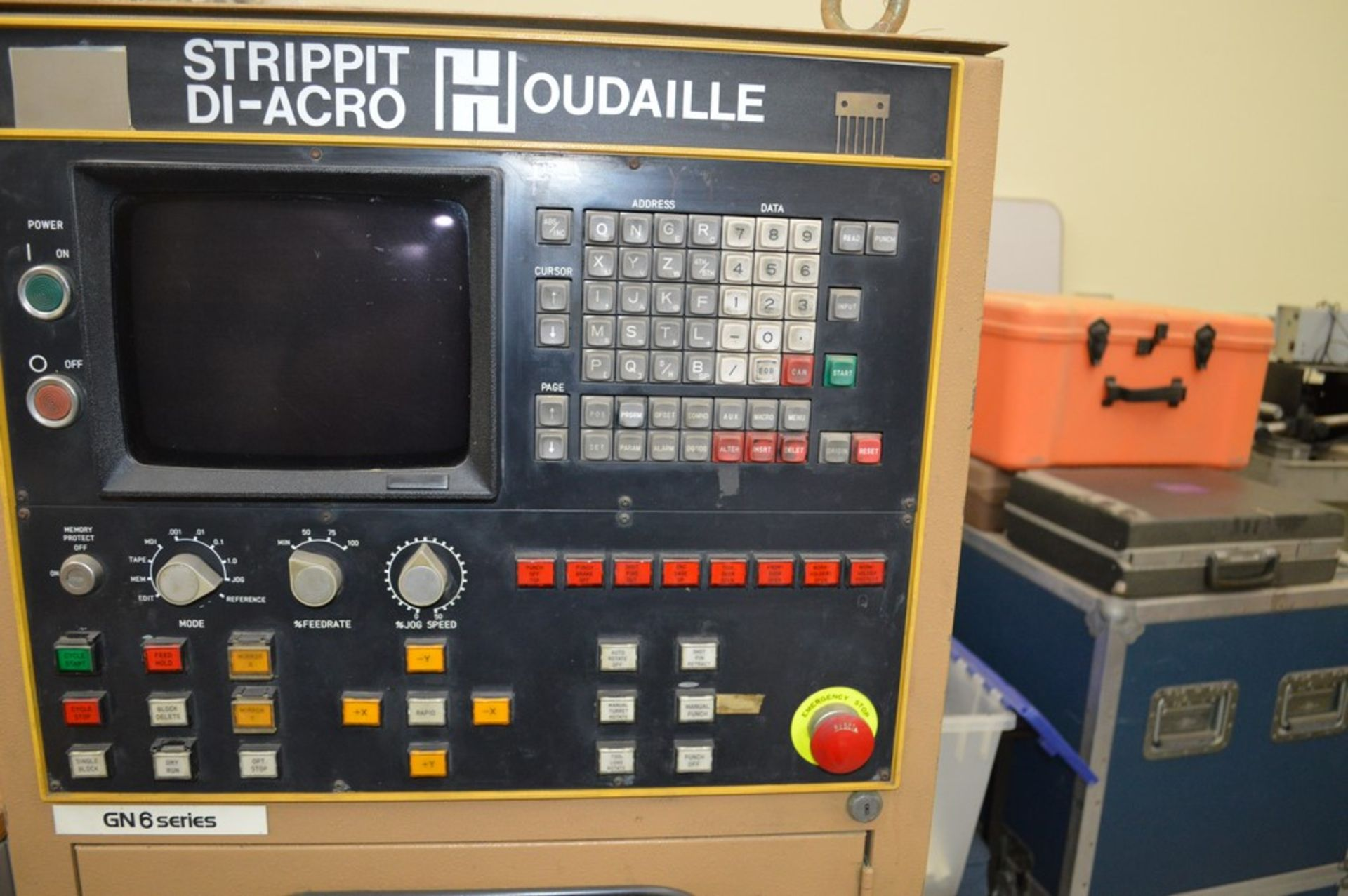 1985 Del Arco Strippit 1000 lbs punch, with auxilliary transfer table, 20 stations, blue 4 leg - Image 15 of 15