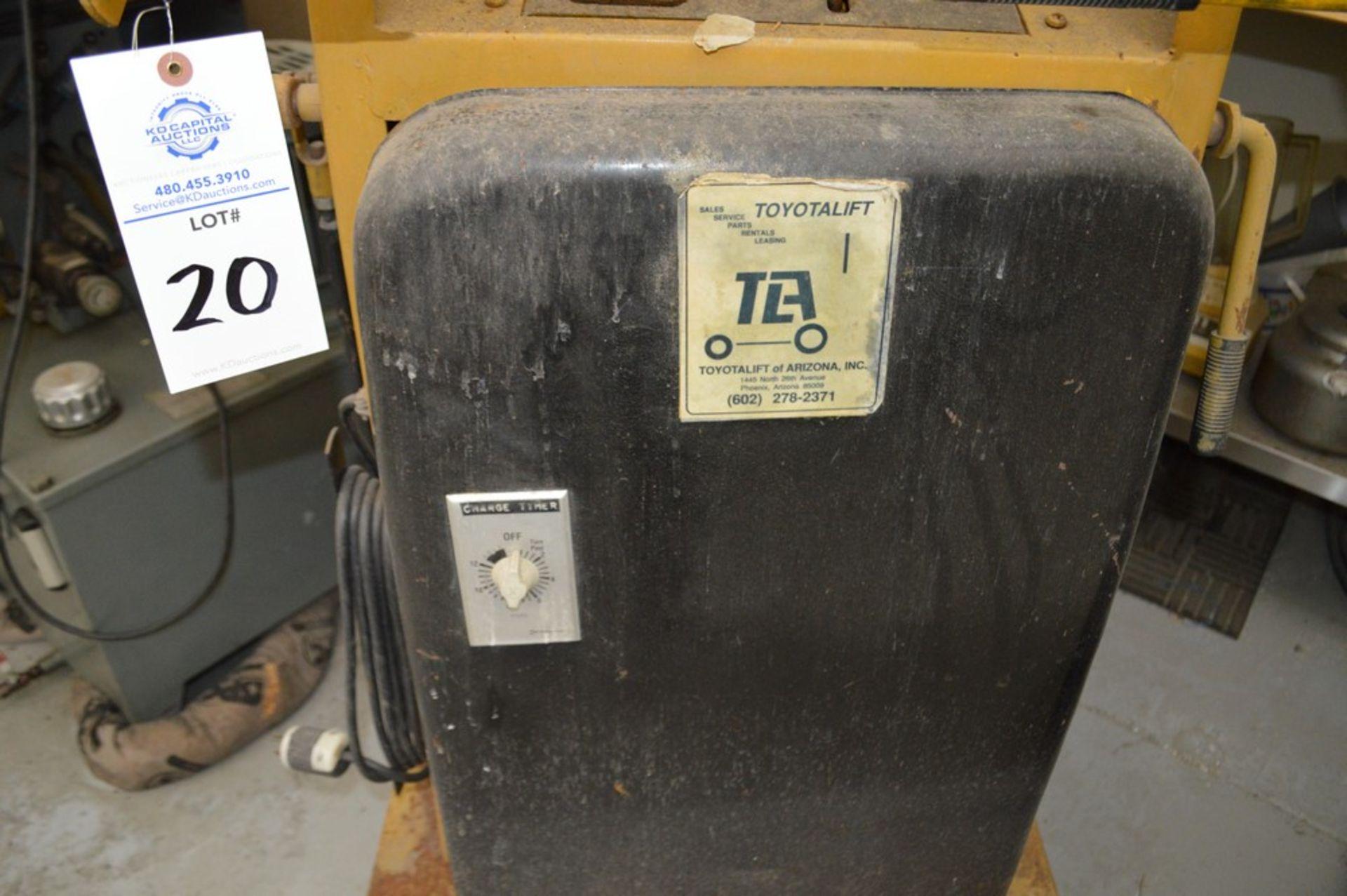 Toyota Lift Big Joe Lift, battery with internal charger - Image 3 of 7