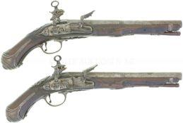Konvolut von 2 Pistolen mit Miqueletschloss, Kal. 13mm