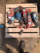 Pallet containing 5x block & chain Pulleys
