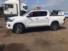 2019 Toyota Hilux Invincible automatic Pickup