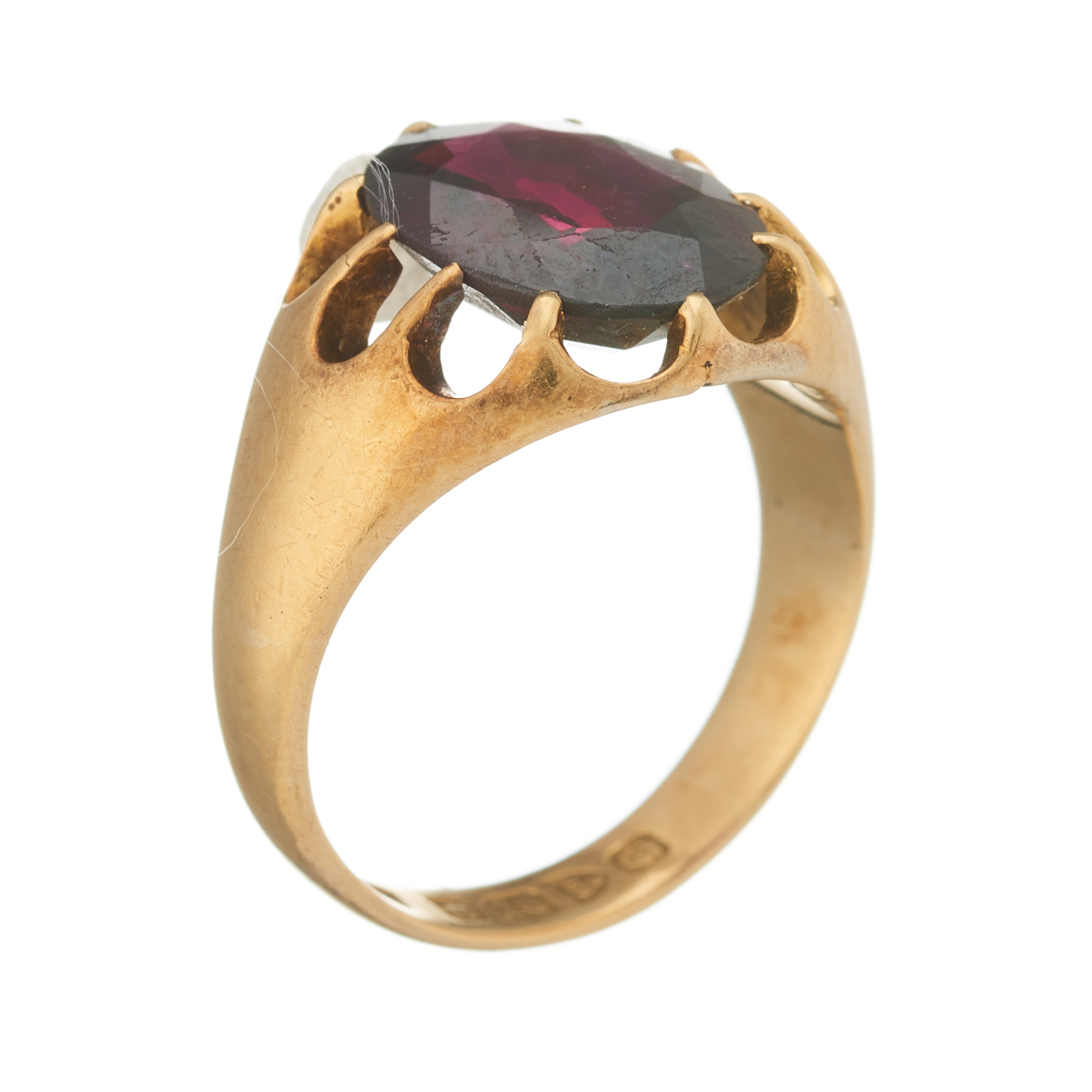 An early 20th century 18ct gold garnet single-stone ring - Image 2 of 2
