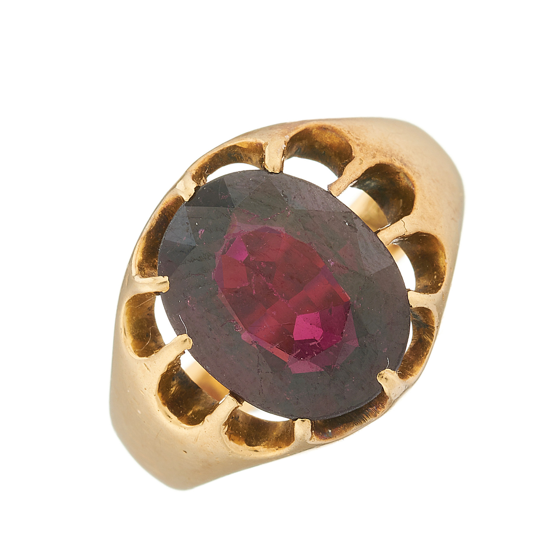 An early 20th century 18ct gold garnet single-stone ring