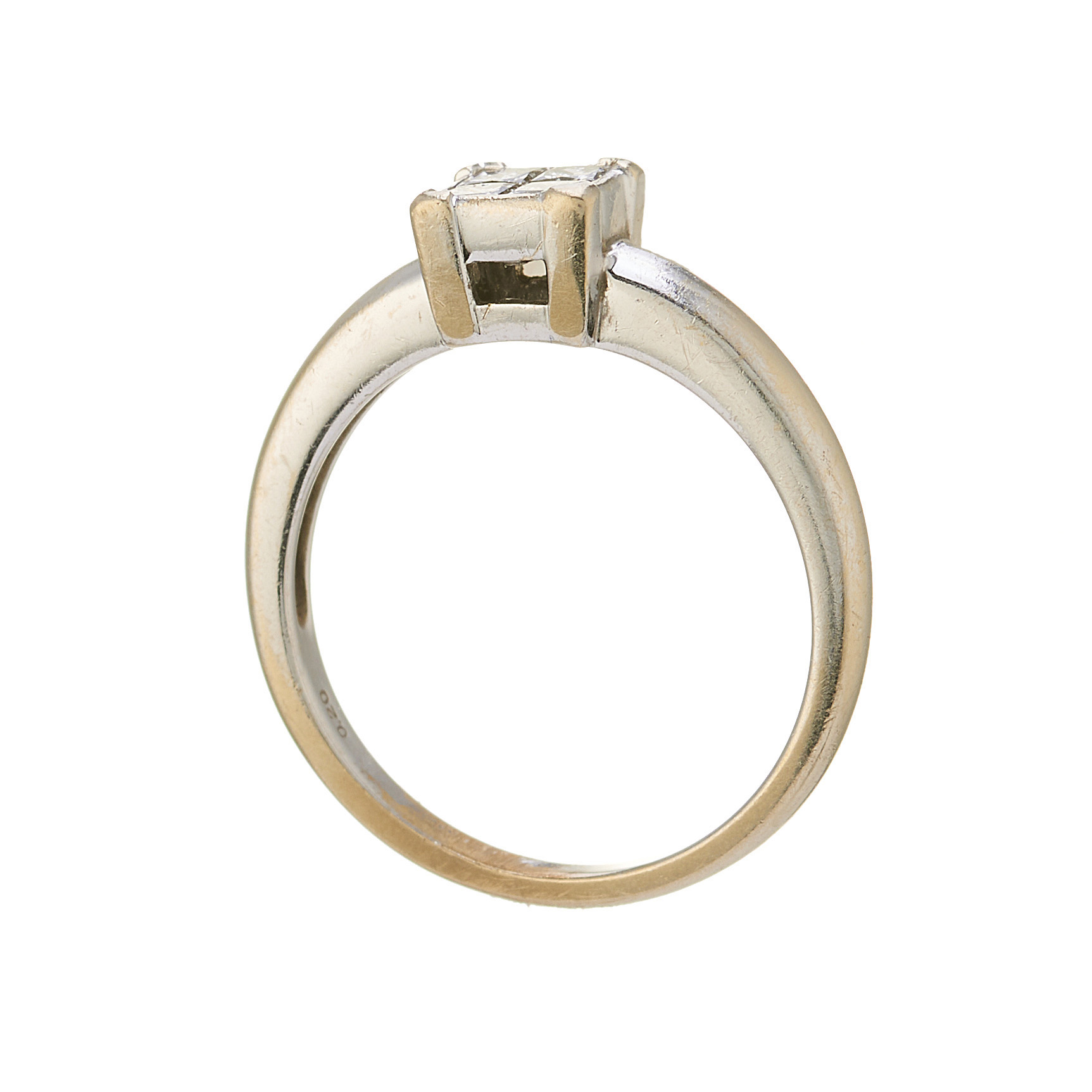 An 18ct gold diamond cluster ring - Image 2 of 2