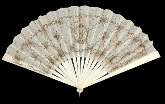 A bone fan, late 19th century/early 20th century, the monture simply incised, the cream fabric leaf