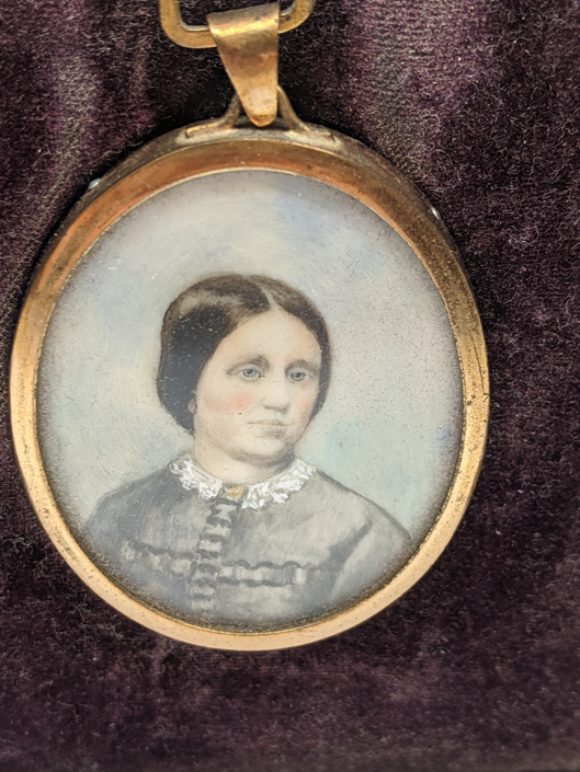 A Victorian miniature portrait of a lady, yellow metal mount, H.5cm - Image 2 of 2