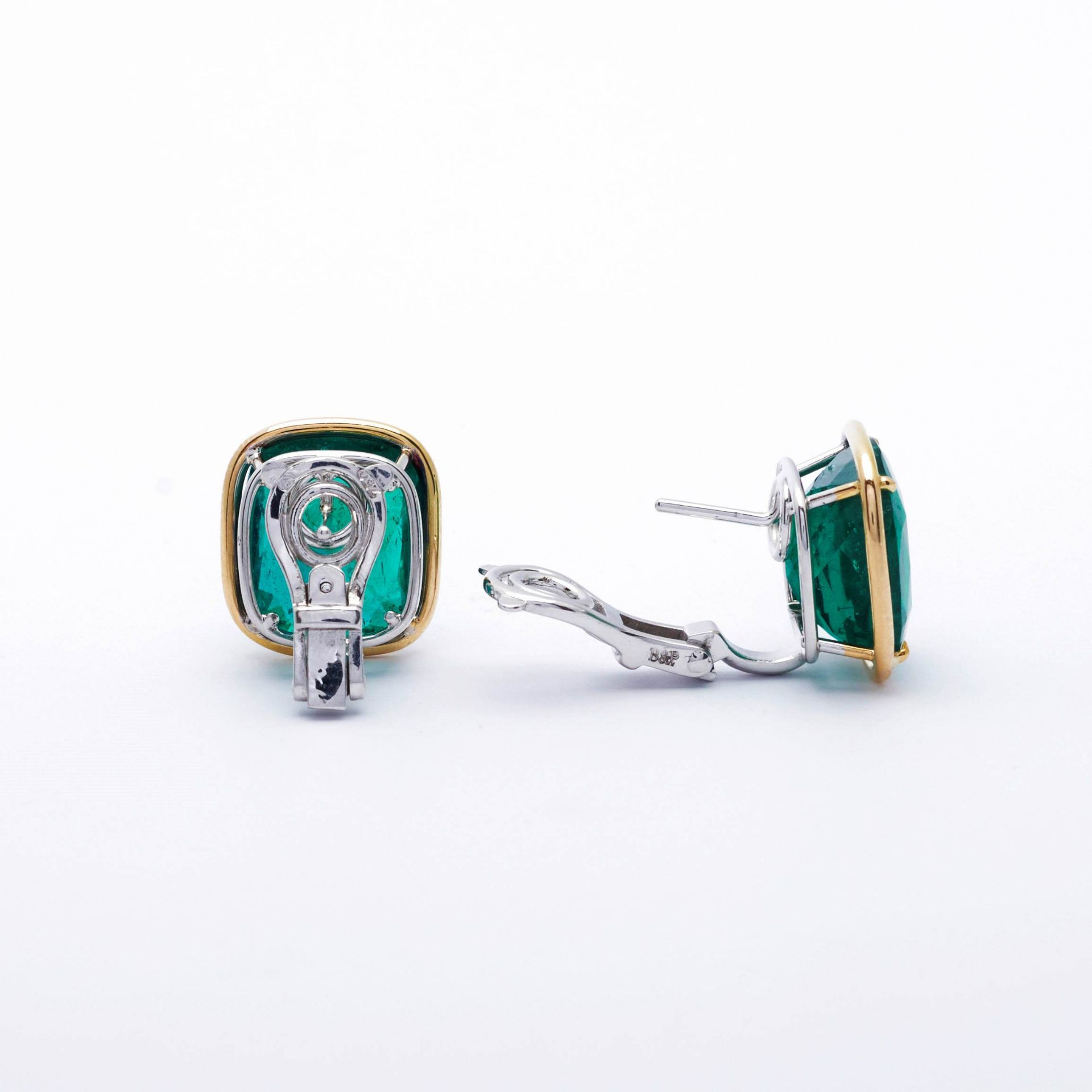 EMERALD AND GOLD EARCLIPS. - Image 6 of 7