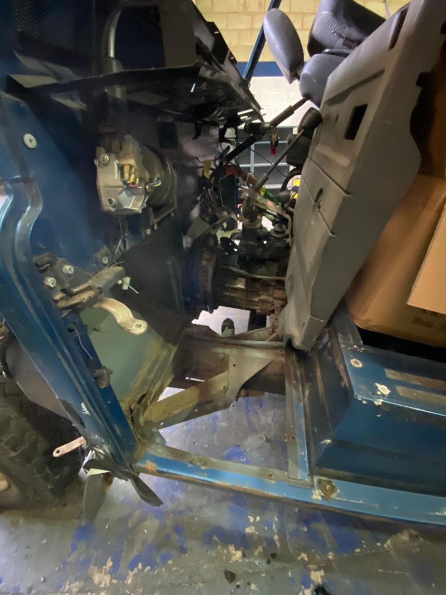 Land Rover 110 County, 300 TDI Engine Appears Mostly Complete - No Bumper, Bonnet, Glass etc As - Image 9 of 26