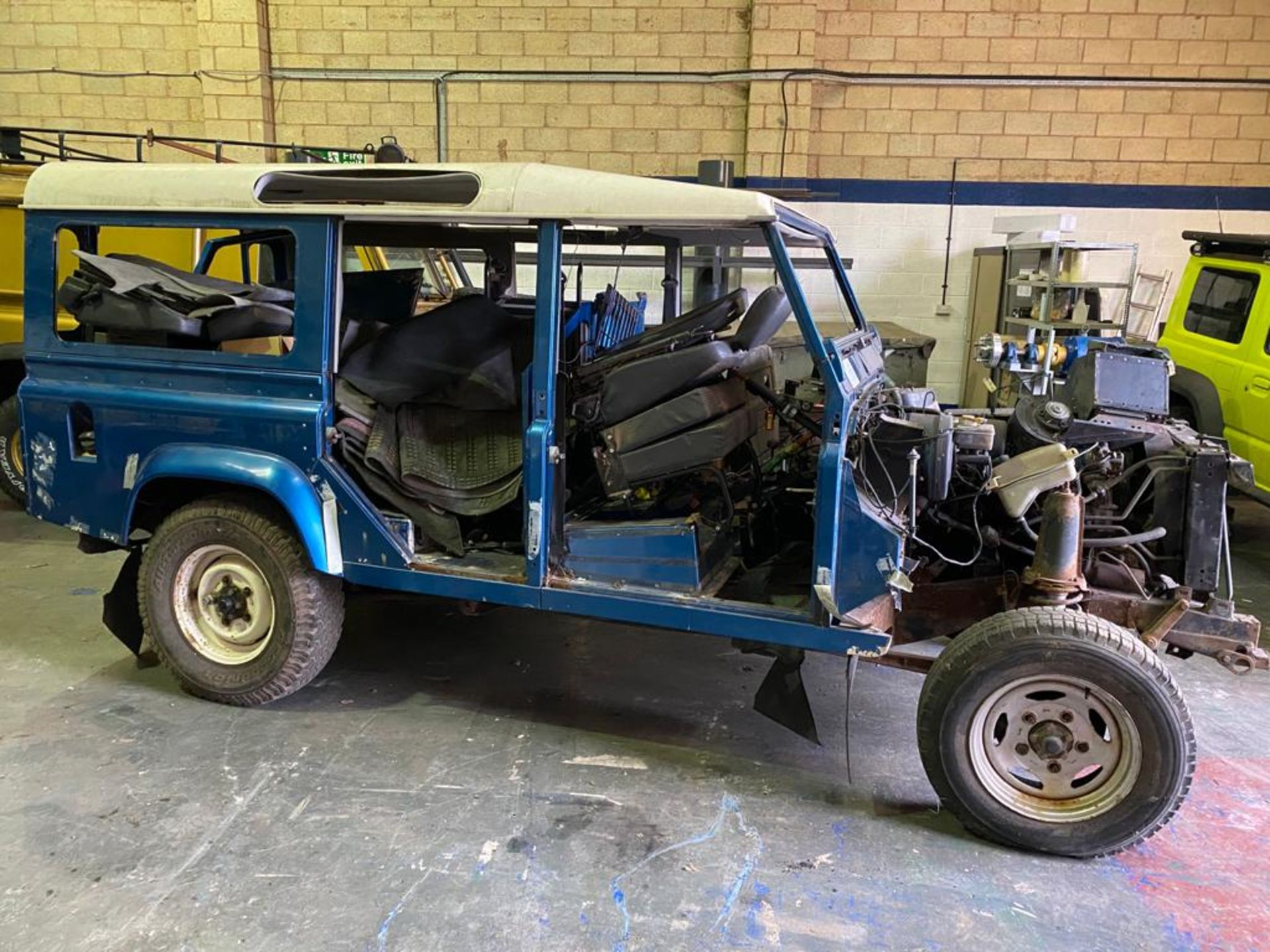 Land Rover 110 County, 300 TDI Engine Appears Mostly Complete - No Bumper, Bonnet, Glass etc As - Image 5 of 26