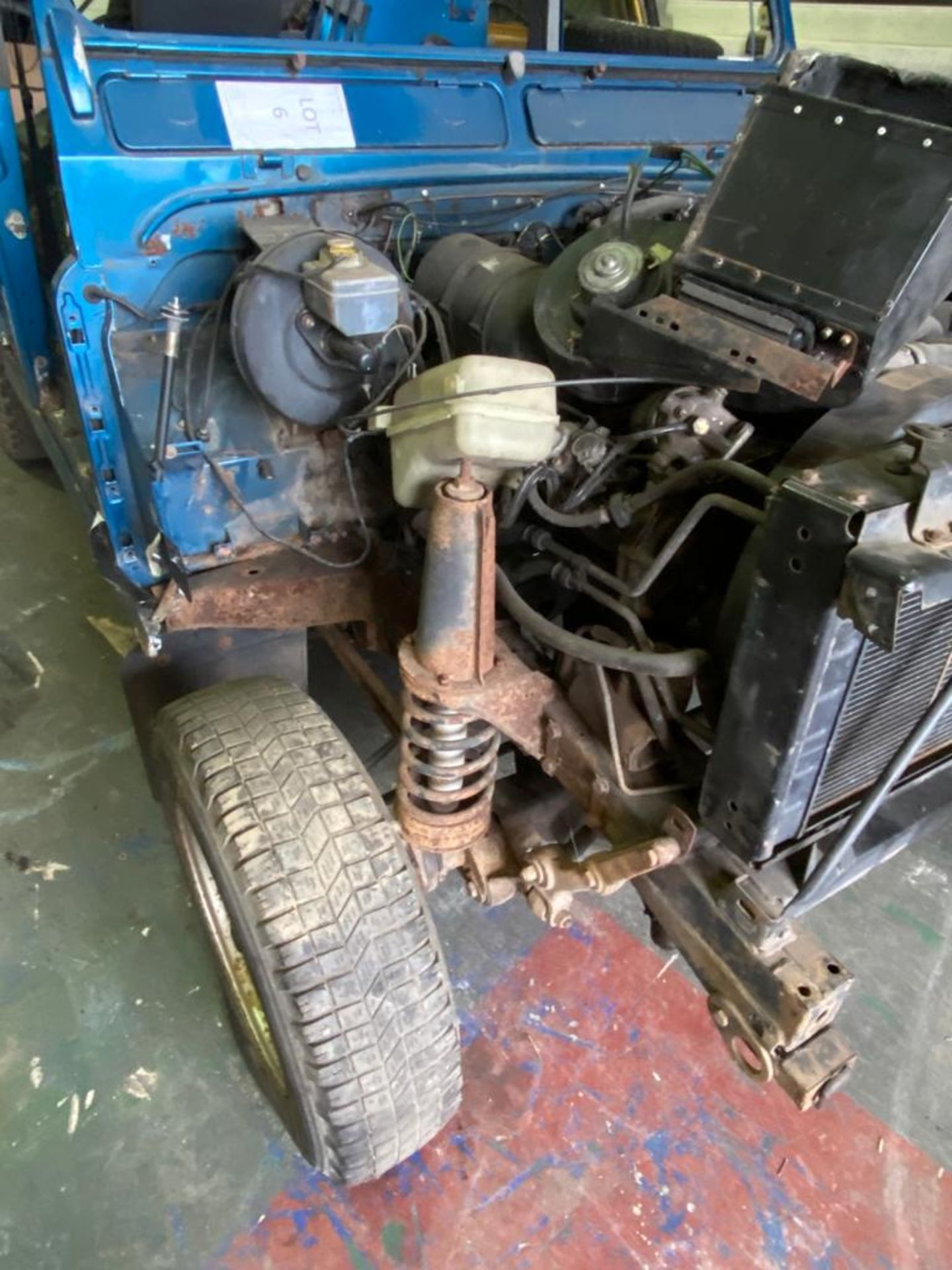 Land Rover 110 County, 300 TDI Engine Appears Mostly Complete - No Bumper, Bonnet, Glass etc As - Image 18 of 26