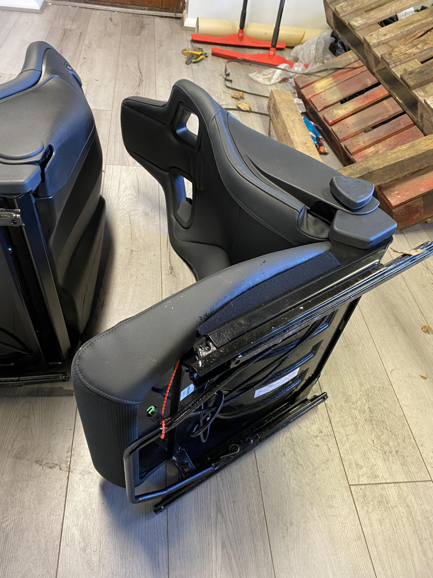 Pair of LH & RH Genuine Recaro Defender Heated Seats - Image 29 of 35