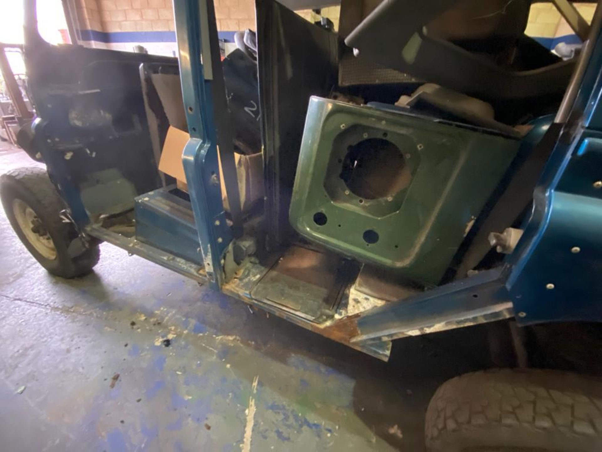 Land Rover 110 County, 300 TDI Engine Appears Mostly Complete - No Bumper, Bonnet, Glass etc As - Image 22 of 26