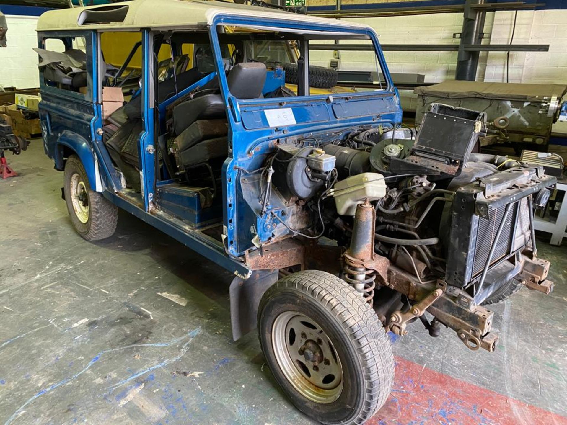 Land Rover 110 County, 300 TDI Engine Appears Mostly Complete - No Bumper, Bonnet, Glass etc As