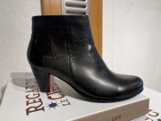 Regarde Ciel 5 Pairs: Glove Black/Muschio/Piombo TDM Boots Maris-211 Var. 5275. Sizes 38 - 41 (