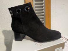 Regarde Ciel 7 Pairs: Etna Black Boots Ines-19 Var. 5277Sizes 36 - 41 (RRP £99)