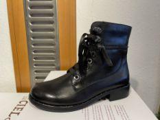 Regarde Ciel 5 Pairs: Delice Black Boots Roxana-04 Var. 2695Sizes 37, 38, 39 & 41 (RRP £110) Regarde