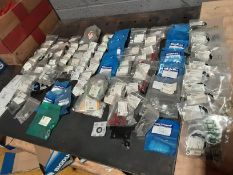 Quantity of Landrover and Other Clips and Brackets