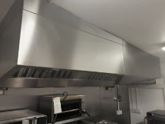 Wall type Extraction canopy with Filter Stainless steel approx - Will Require Dismantling and