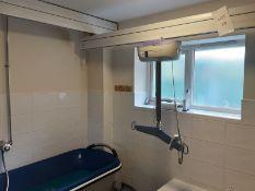 Arjo Maxi Sky 600 Patient Lift with KwikTrak Ceiling Rail System Serial No: LD410958877