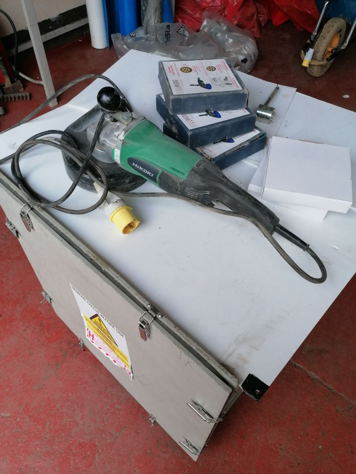 Hikoki G23SCB Grinder with Blades & Extractor Attachment (to attach to Lot 27) - Image 3 of 9