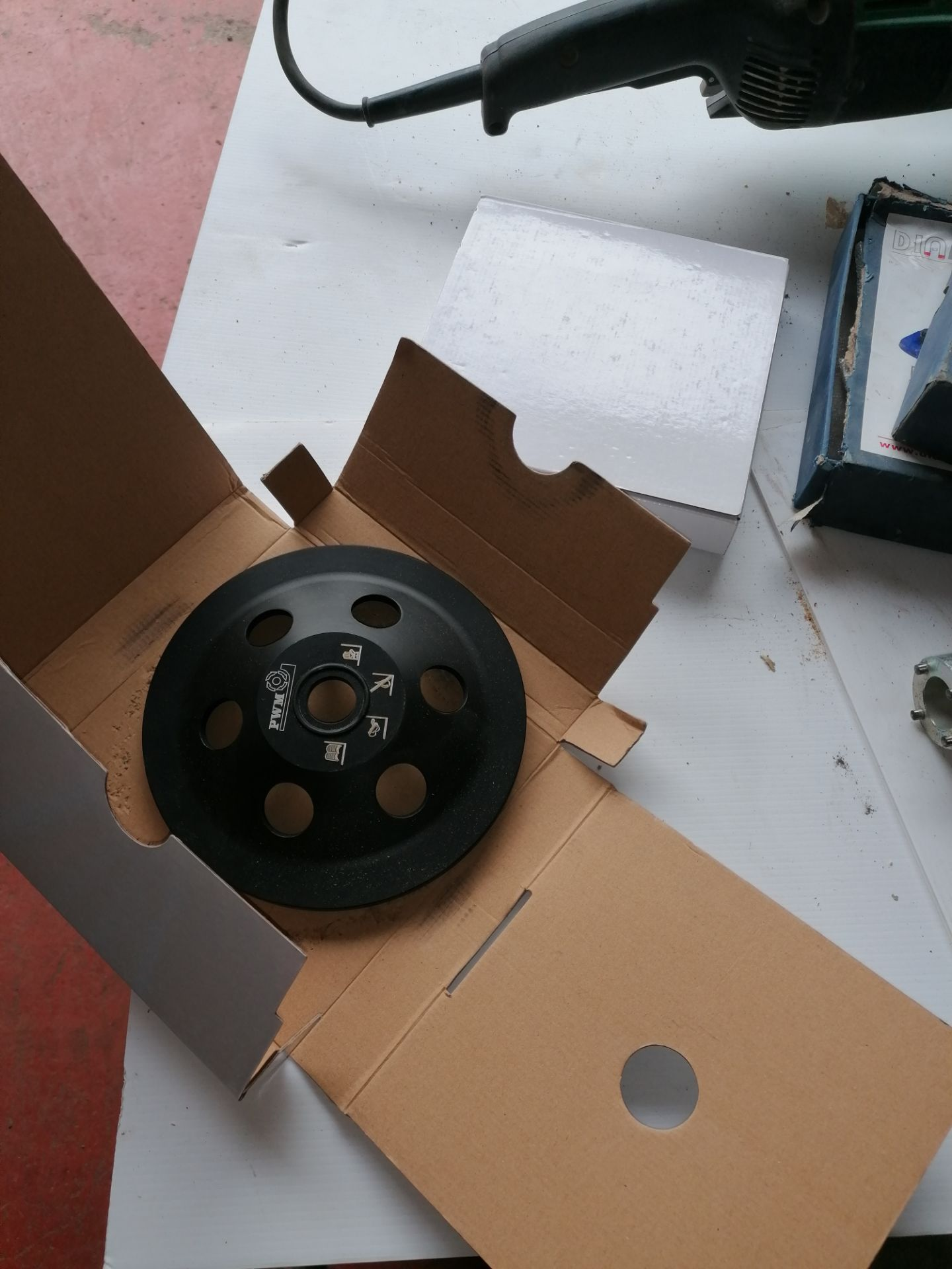 Hikoki G23SCB Grinder with Blades & Extractor Attachment (to attach to Lot 27) - Image 4 of 9