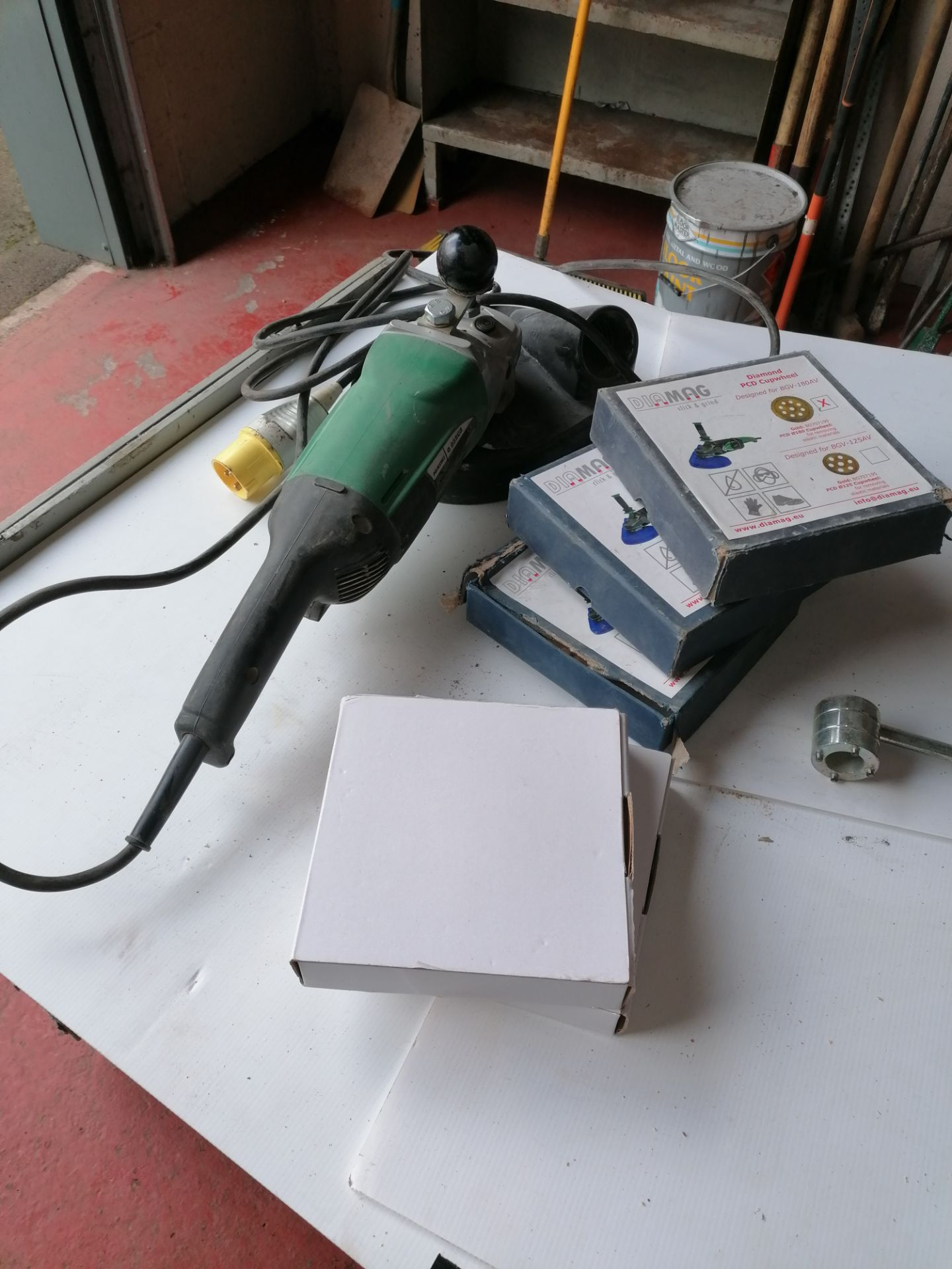 Hikoki G23SCB Grinder with Blades & Extractor Attachment (to attach to Lot 27) - Image 2 of 9