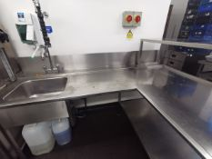 L shaped stainless steel sink unit, intergrates wi