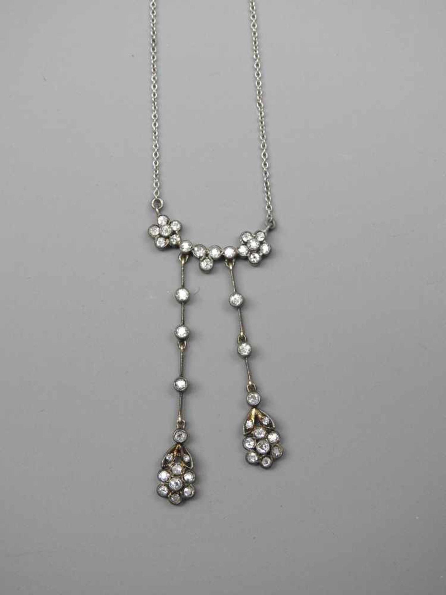 Feines Jugendstil-CollierSilber mit Diamantbesatz von ca. 0,80 ct. Wohl Deutschland, u