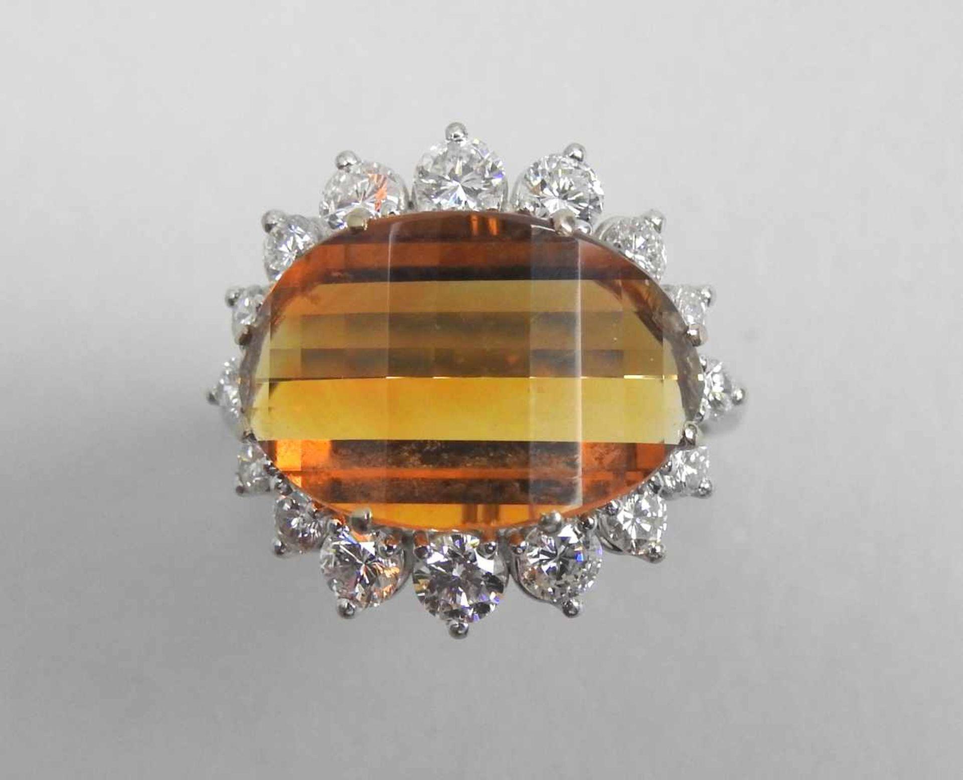 Großer Citrin-Diamant-Ring18 K. Weißgold mit großem Citrin, ca. 5 ct und Diamanten,
